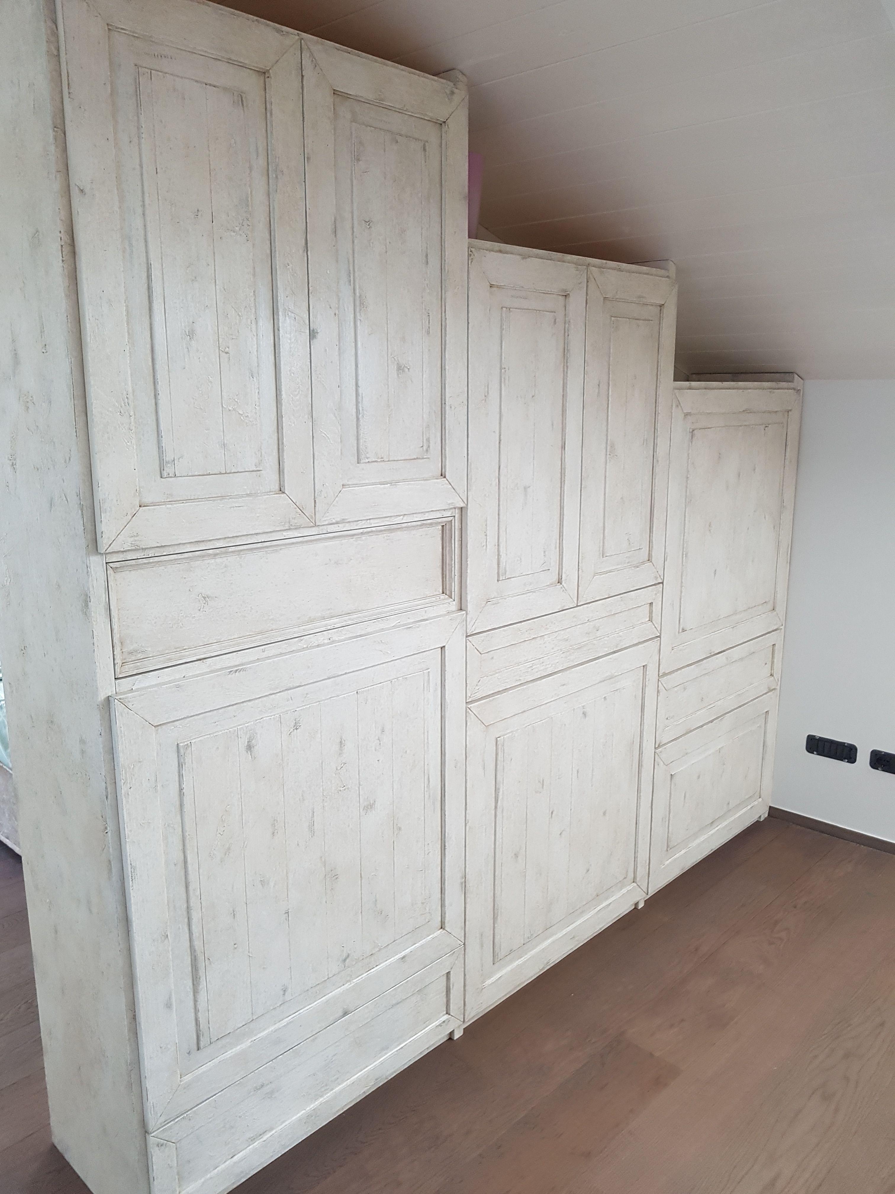 Parete Divisoria In Legno parete divisoria in legno massello dipinta e decorata a mano