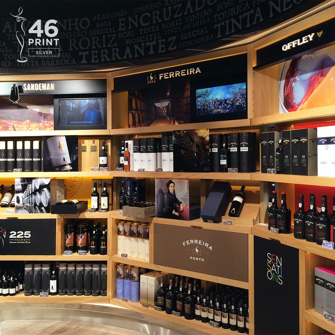 Loja franca Sogrape Vinhos (2016)  #Omdesign #Design #Portugal #LeçadaPalmeira #Since1998 #SpatialDesign #Shop #Airport #Airportshopping #Sogrape #SograpeVinhos #AwardedAgency #Awards #Creativity #SilverAward #GraphisAwards #PrémiosLusos
