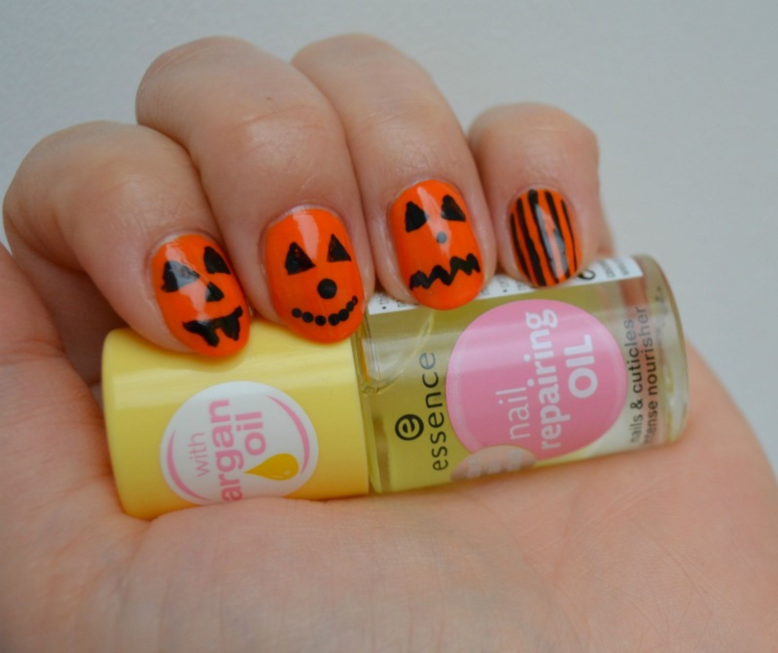 Essence Nail Repairing Oil Review And Simple Halloween Pumpkin Nail