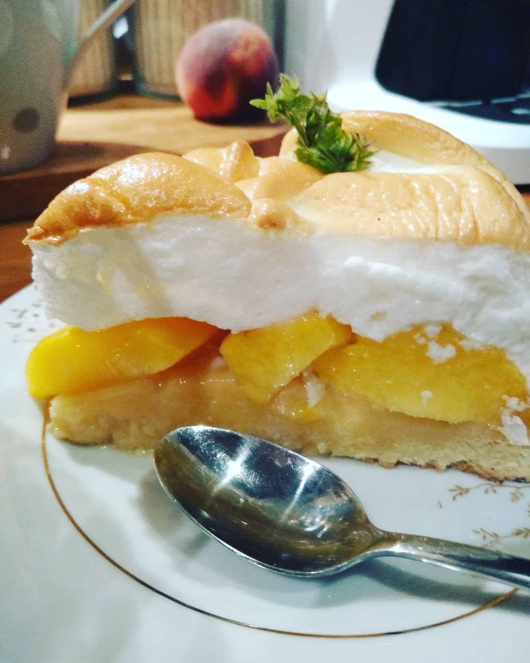 Tarta na kruchym spodzie z brzoskwiniami 🍑🍑🍑. #me #ewelina #tarta #kruchyspód #brzoskwinka🍑 #delicio...