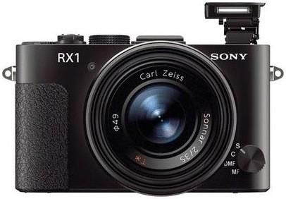 Eu quero!! Segundo os rumores, a Sony RX1 deve chegar com sensor para captura de imagens em até 24 megapixels e lentes Carl Zeiss de 35 mm com foco f/2.0, e com ISO que vai de 100 até 25.600.