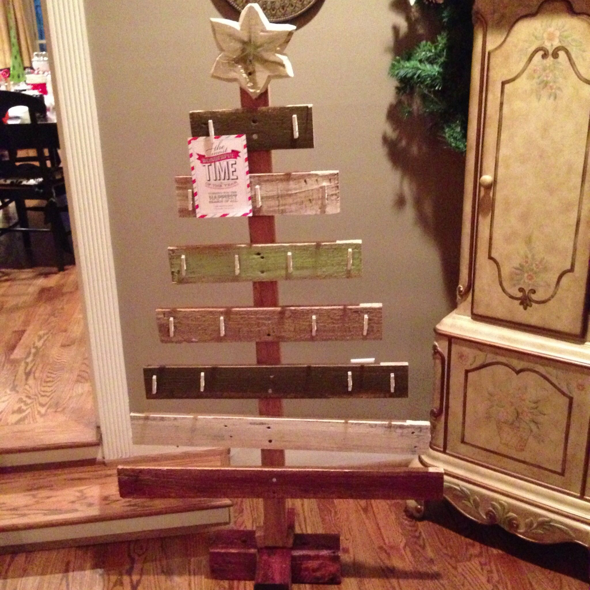 88 Creative And Easy Diy Christmas Greeting Pallet Project