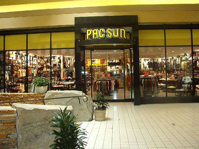4db97d64fa PacSun | Shopaholic | Mall outfit, Shopping, Store fronts