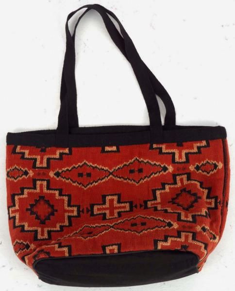 This Jacquard purse has a flat bottom and open top making it the perfect carry-all tote. In red cross design #southwest #southwestern #western #bag #totebag #jacquard #southweststyle #southwestdesign #elpasosaddleblanket #elpasosaddleblanketcompany