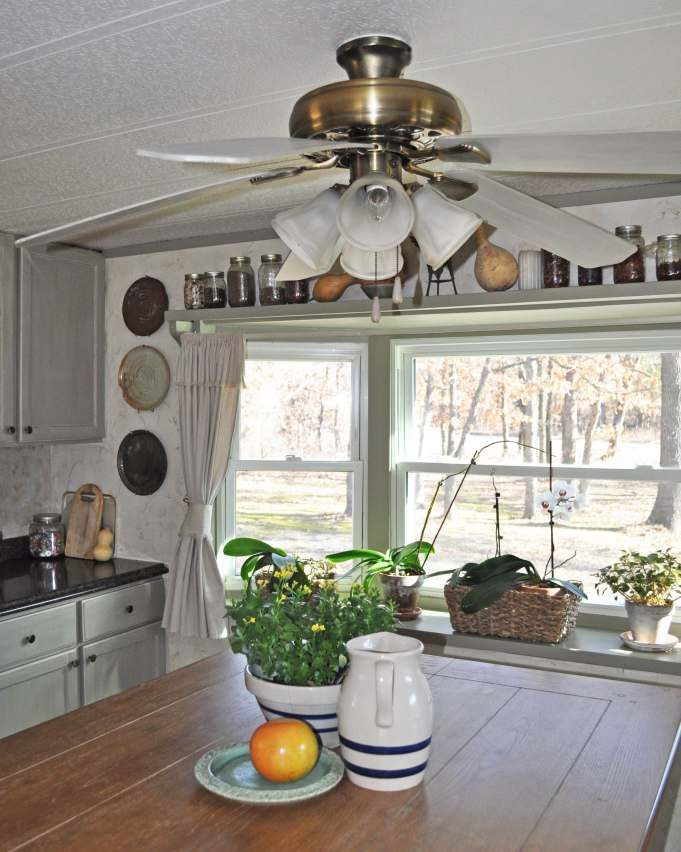 Ceiling Fan Face Lift A Big Impact On A Small Budget Mobile Home Living Remodeling Mobile Homes Mobile Home Decorating