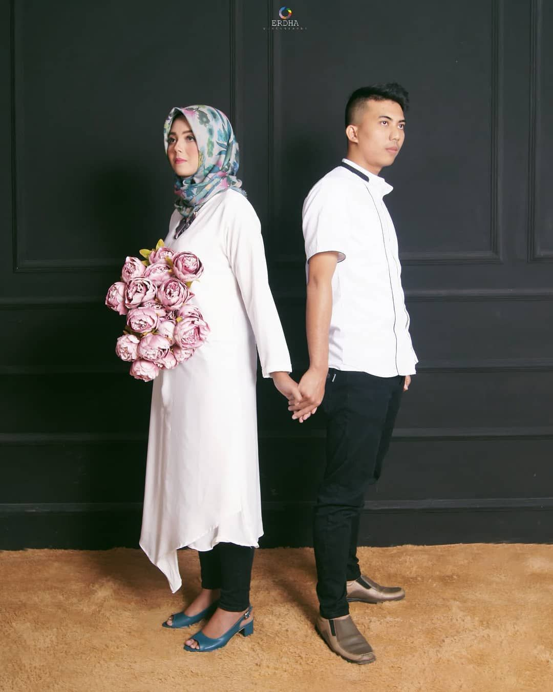 Baju Prewedding Simple