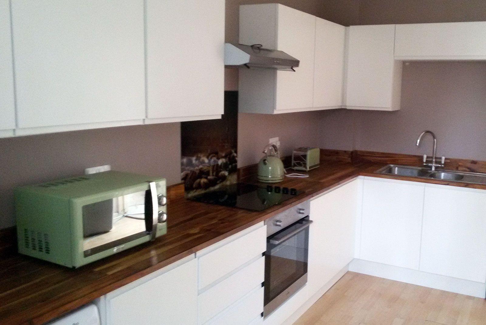 Best An Innova Luca Matt White Handleless Kitchen Cheap 400 x 300