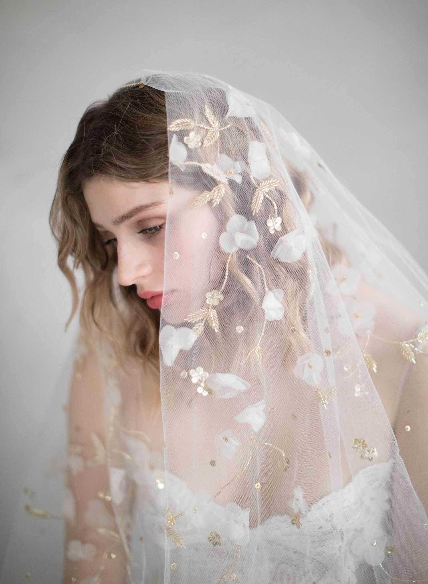 Trellis And Blossom Embroidered Veil Style 864 Unique Wedding Veils Unique Veil Veil Styles