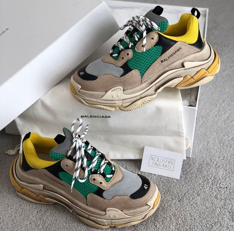 BALENCIAGA baskets Triple S Shoe Closet, Sock Shoes, Cute Shoes, Me Too  Shoes 953fa3f7d49e
