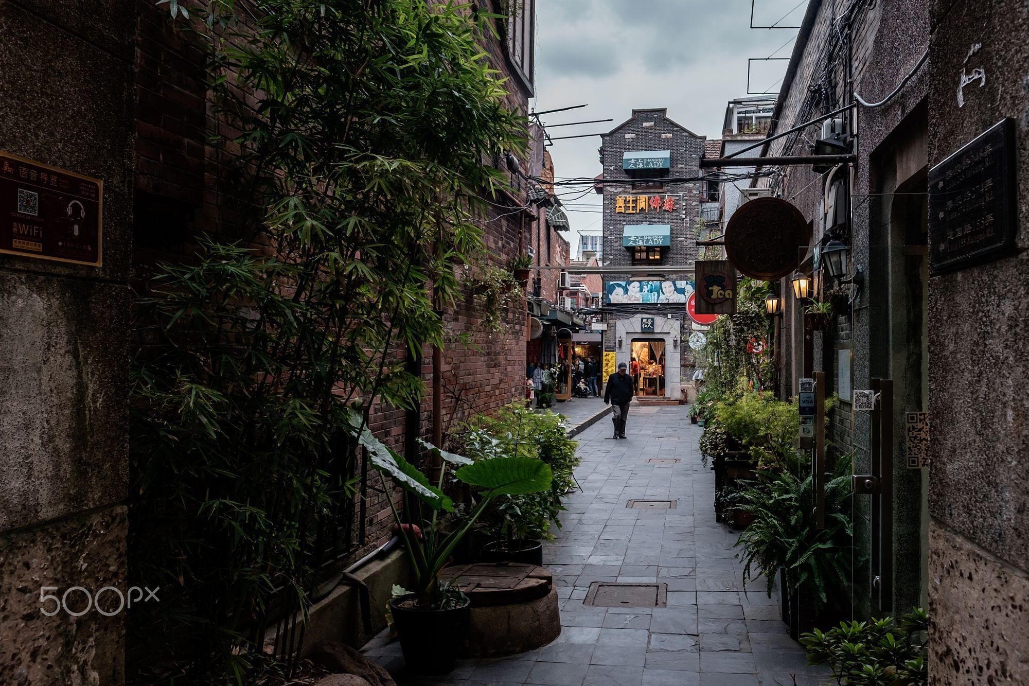 Urban Exploration: old Shanghai feeling by yfunei https://t.co/taBuWKk1fn | #500px #photography #photos https://t.co/nH35pJ1SXd #followme #photography