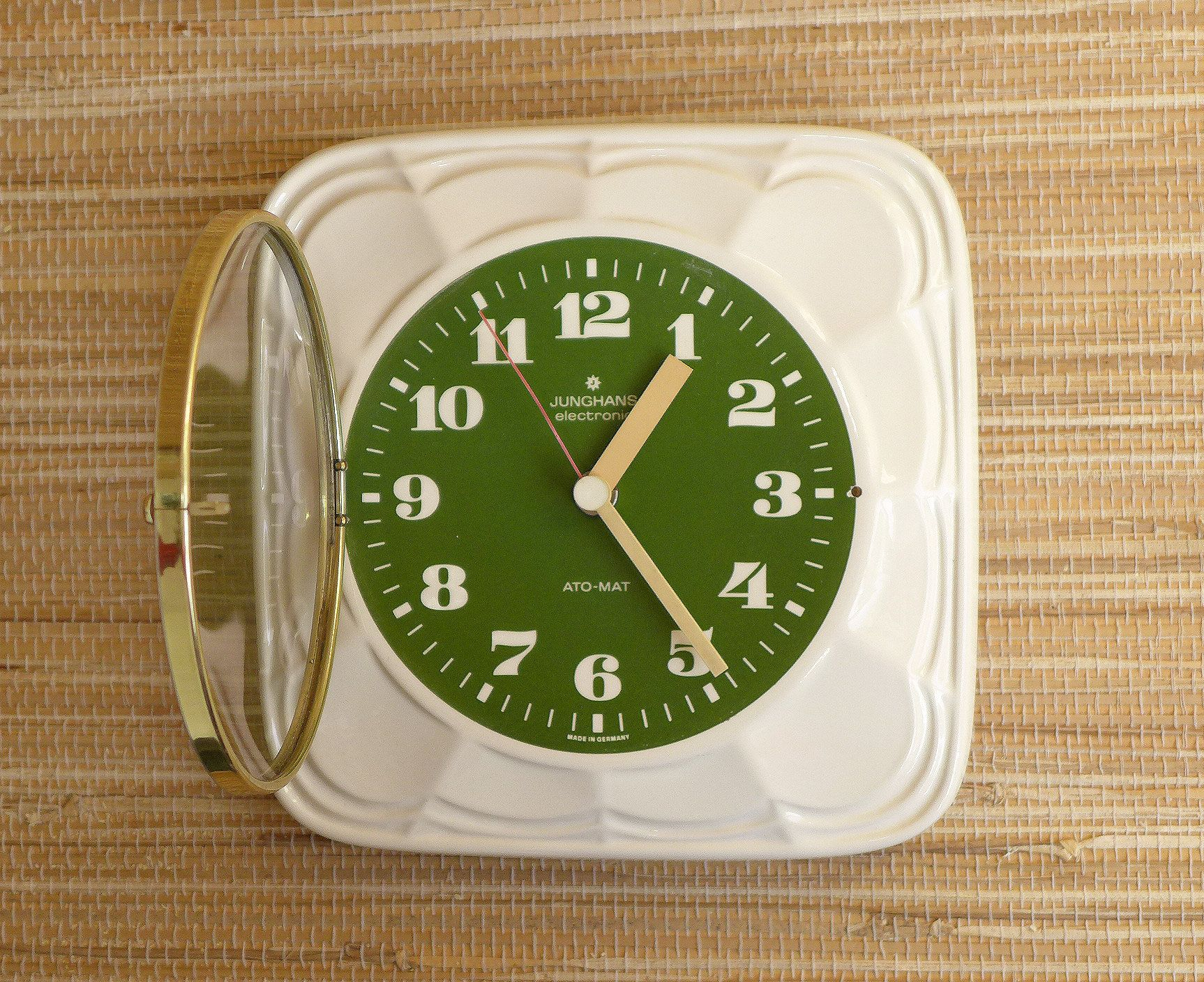 Vintage Kitchen Clock Wall Clock Junghans Made In Germany Ceramic Porcelain Vintage Atomic Mid Century Modern 1960s 1970ss Retro Modern Design Und Produkte