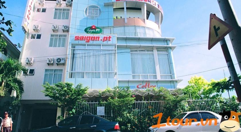 Khách sạn Sài Gòn – PT Phan Thiết là một khách sạn có lối kiến trúc đẹp và độc đáo với vị trí thuận tiện nằm ngay trung tâm thành phố và cách bãi biển không xa, rất hợp lý cho mọi du khách khi muốn nghỉ dưỡng tại đây.  xem thêm http://1tour.vn/khach-san/phan-thiet/khach-san-sai-gon-pt-phan-thiet/  danh sách khách sạn phan thiết http://1tour.vn/khach-san/phan-thiet/