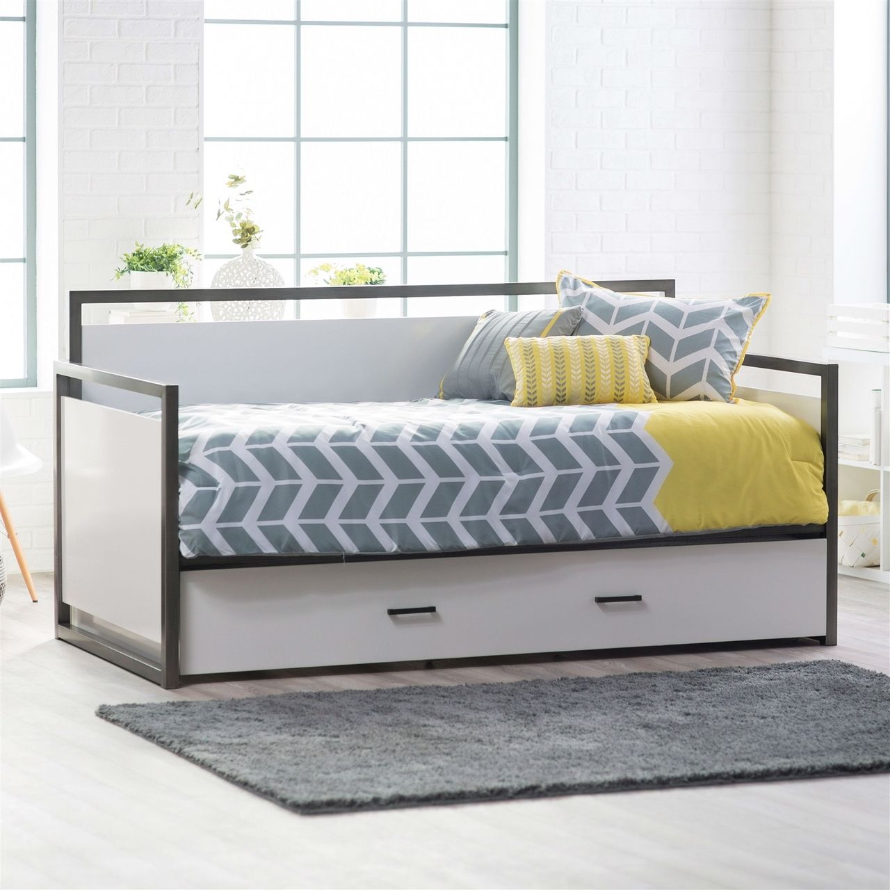 Twin Modern Metal Frame Daybed Pull Out Trundle Bed Glossy White