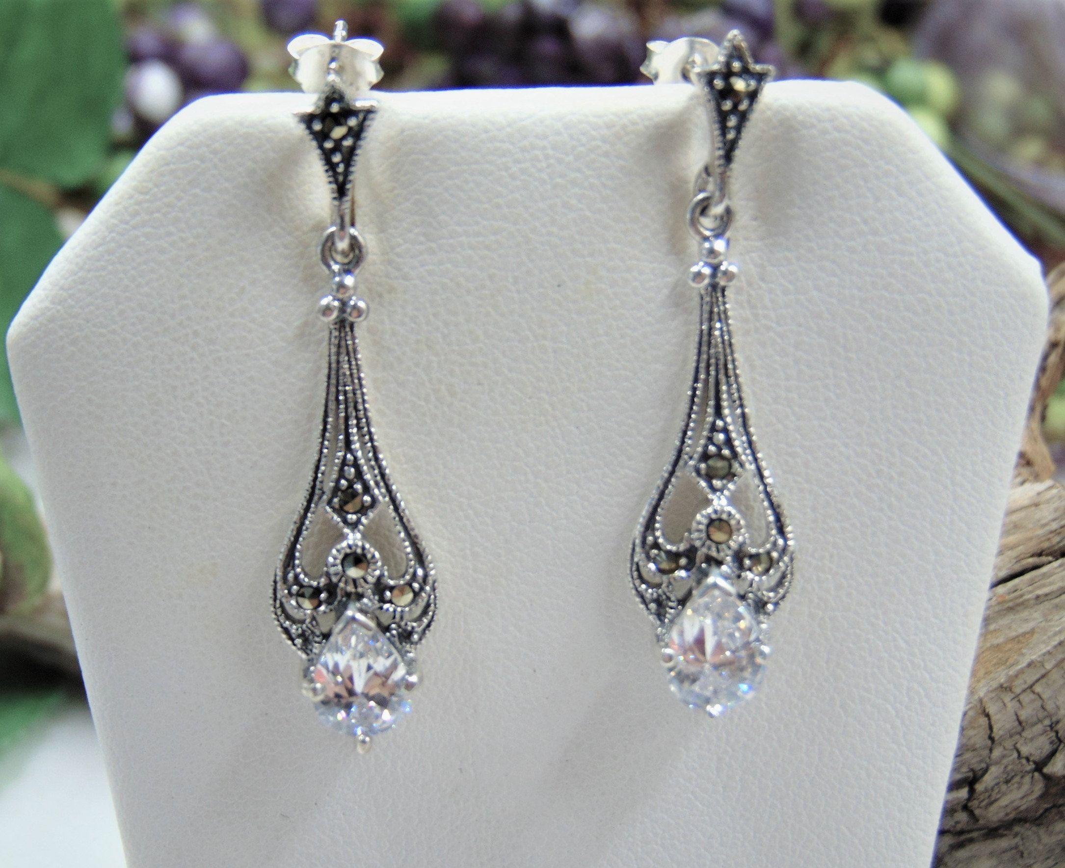 Bridal Earrings Wedding Earringsart Deco Earrings Swarovski Etsy In 2020 Vintage Style Earrings Swarovski Crystal Drop Earrings Arrow Earrings Studs