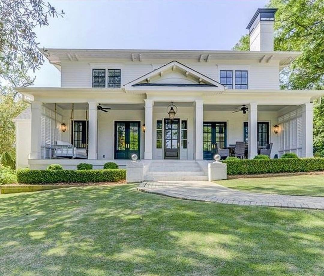 4 176 Likes 93 Comments Krystine Edwards On Instagram My Husband Tagged Me Yesterday On A Country House Design Beautiful Homes Modern Farmhouse Exterior
