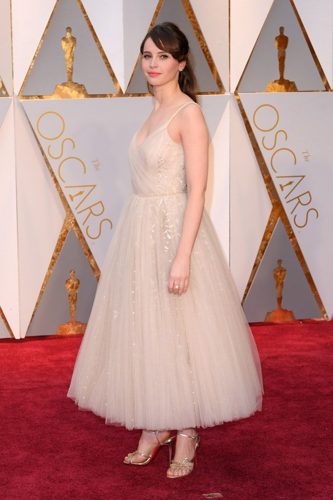9 Celebrity Red Carpet Oscars Shoes For Less Oscar Dresses Nice Dresses Celebrity Red Carpet