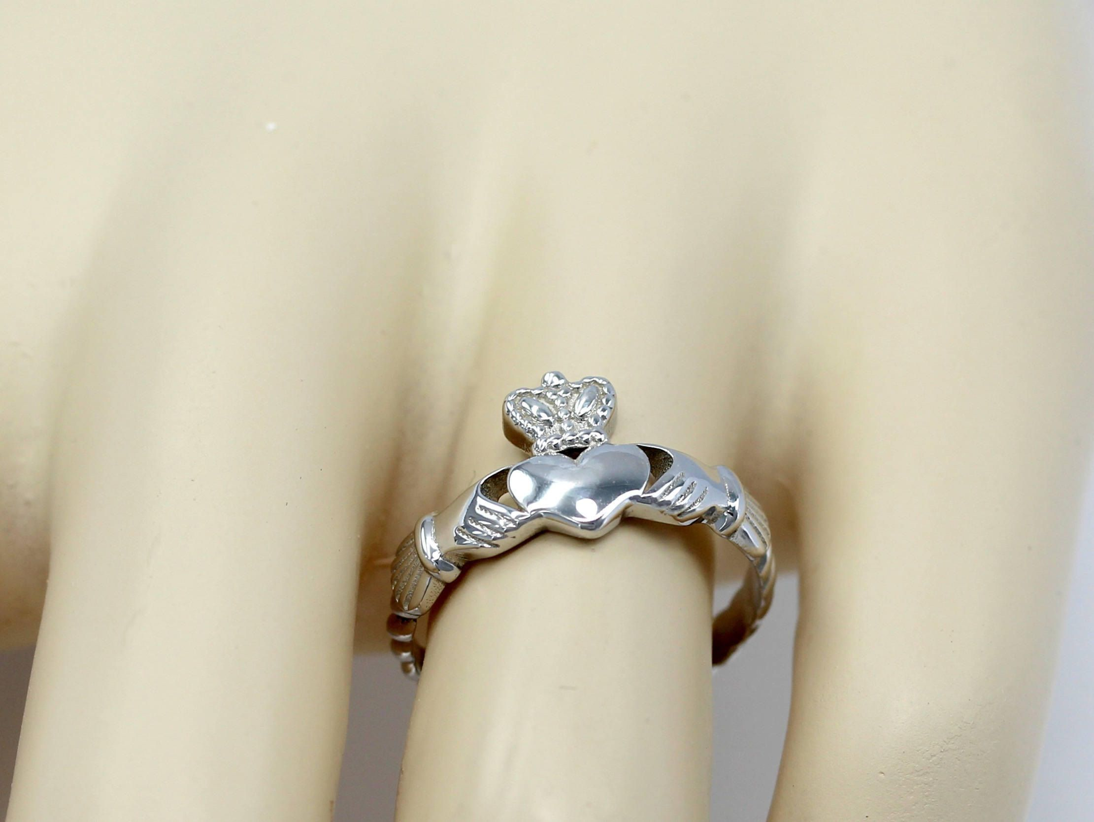 Look - Claddagh irish ring heart design concepts video