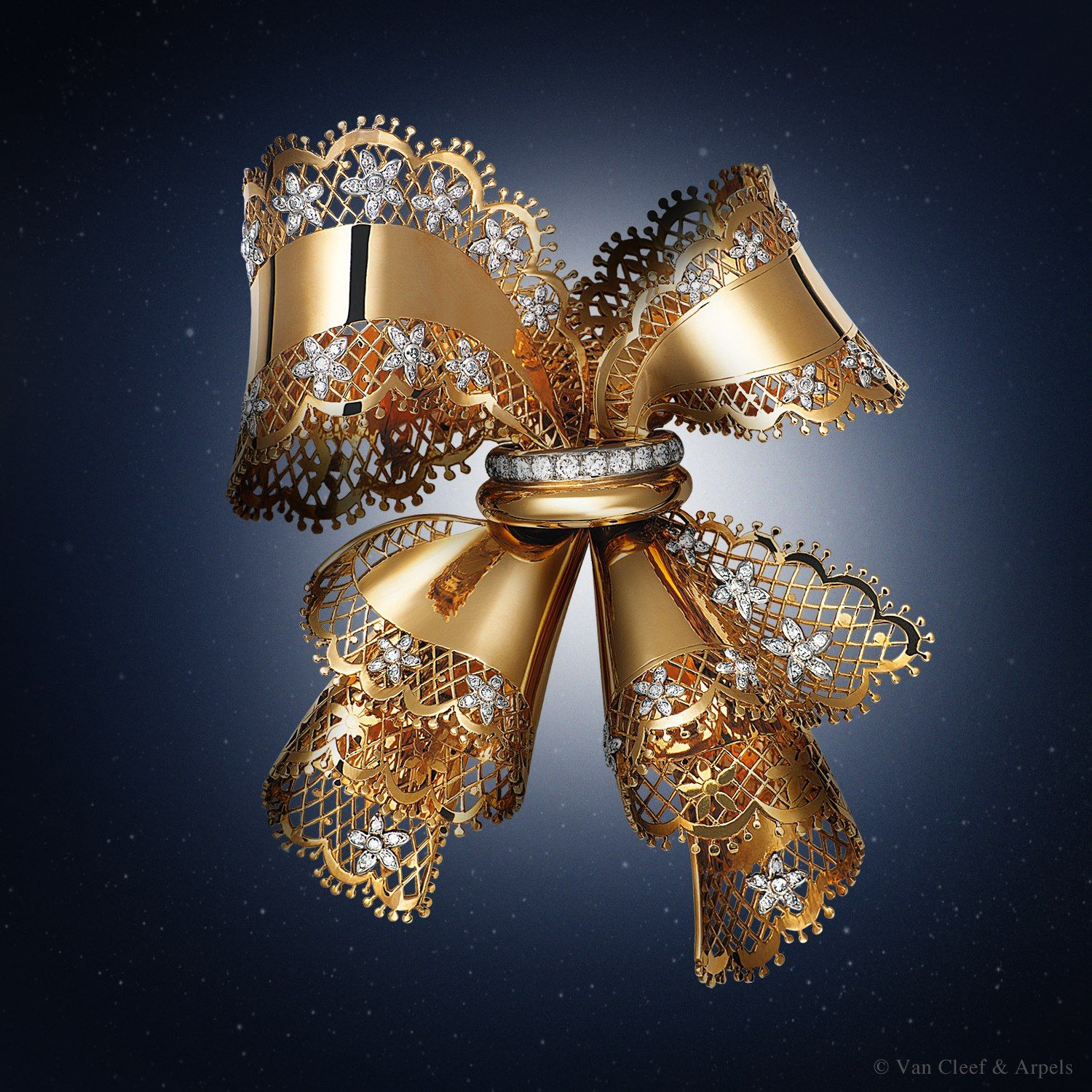 Van Cleef & Arpels - Lace clip created in 1945