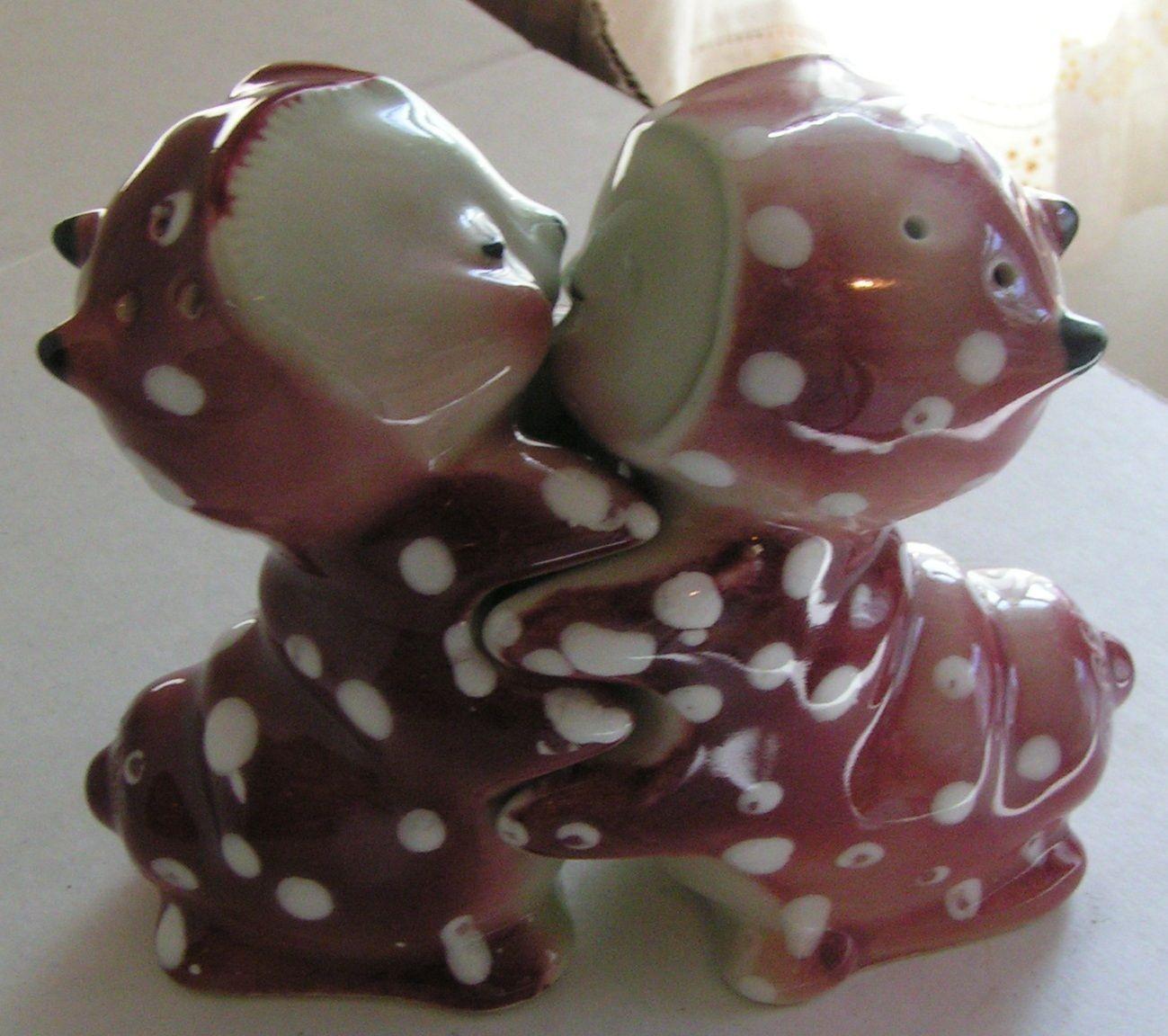 Van Tellingen Snuggle Salt /& Peppers Vintage 1940/'s Era Bunny Hugs Shakers
