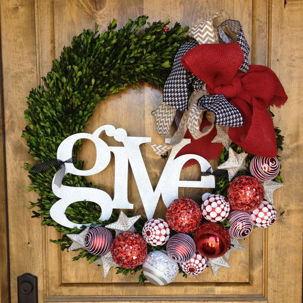 Interior Ideas, Excellent Decorating Christmas Wreaths Ideas By Green Leaves Feat Red Whie Balls Also Ribbon And White Give Word Placed On The Brown Door: Charming Decorating Christmas Wreaths Ideas For Your Christmas Day