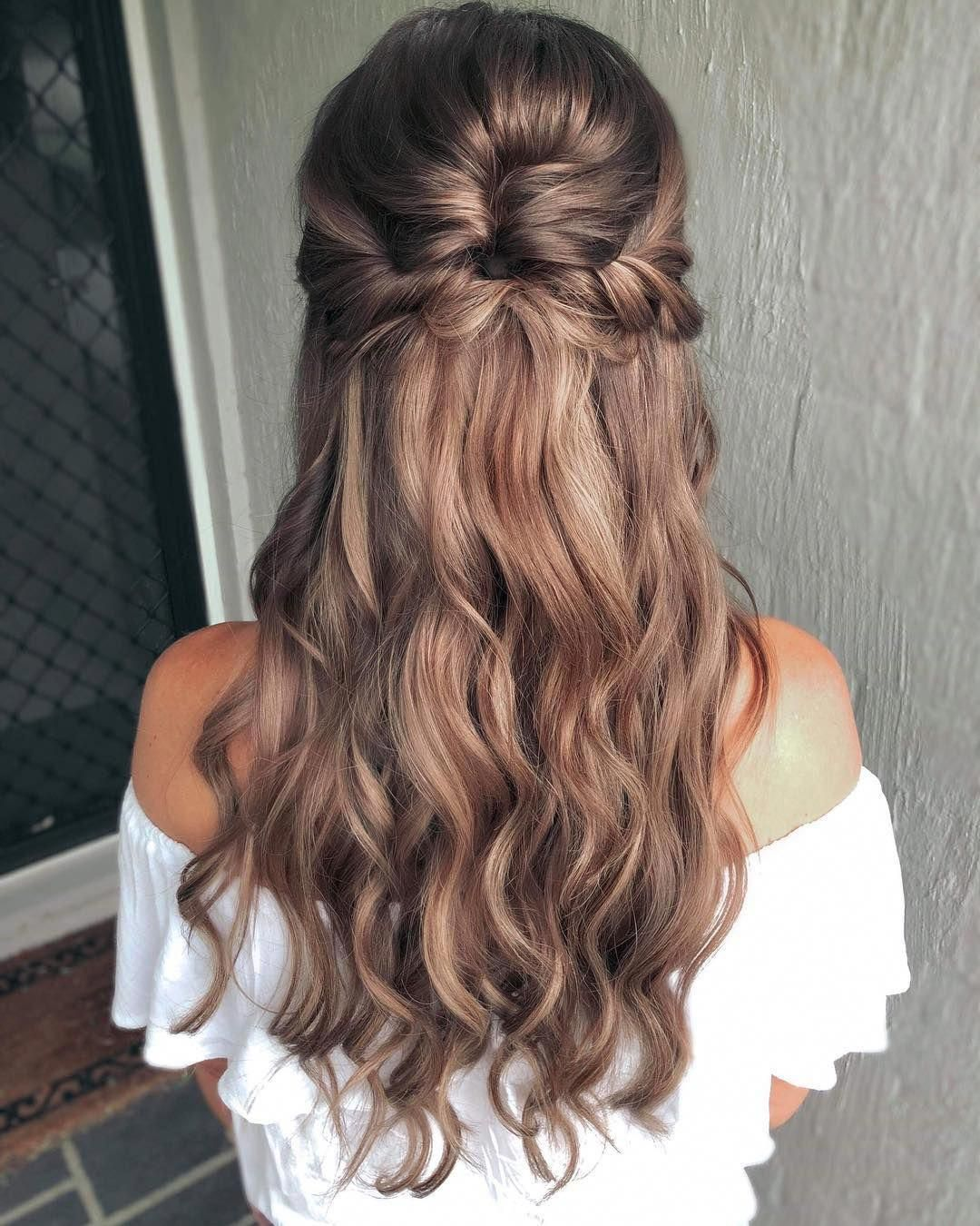 Formal Hairstyles For Long Hair Curly Wedding Hair Styles For Curly Hair Bestlonghairstyles Quince Hairstyles Curly Wedding Hair Flower Girl Hairstyles