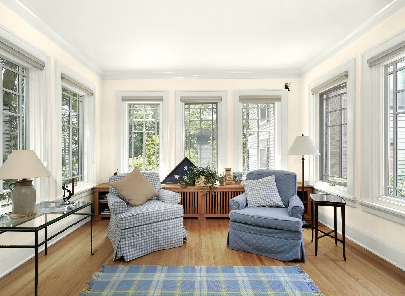 paint colors for living rooms with white color and wooden floor ...