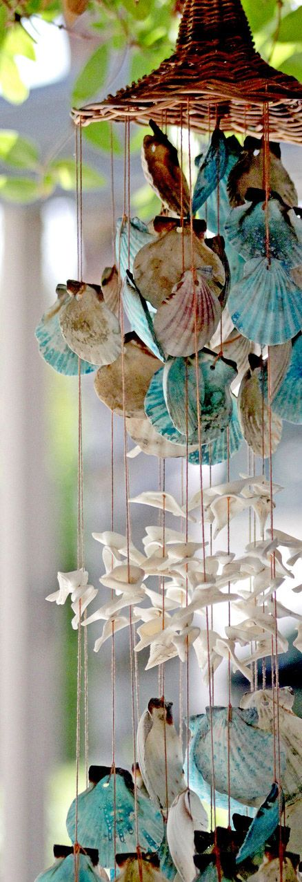 Top 10 diy tropical decorations for your home shell for Shell wind chimes diy