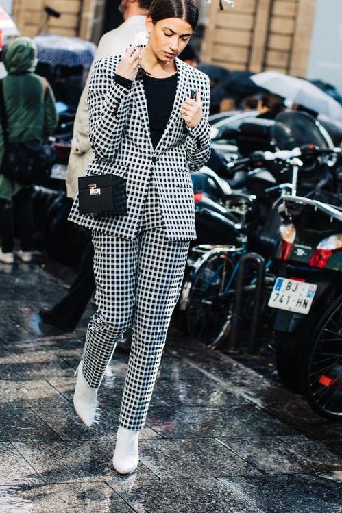 f1099c4271cbd FWAH2017 street style paris fashion week fall winter 2017 2018 trends coats  accessories sandra semburg 175