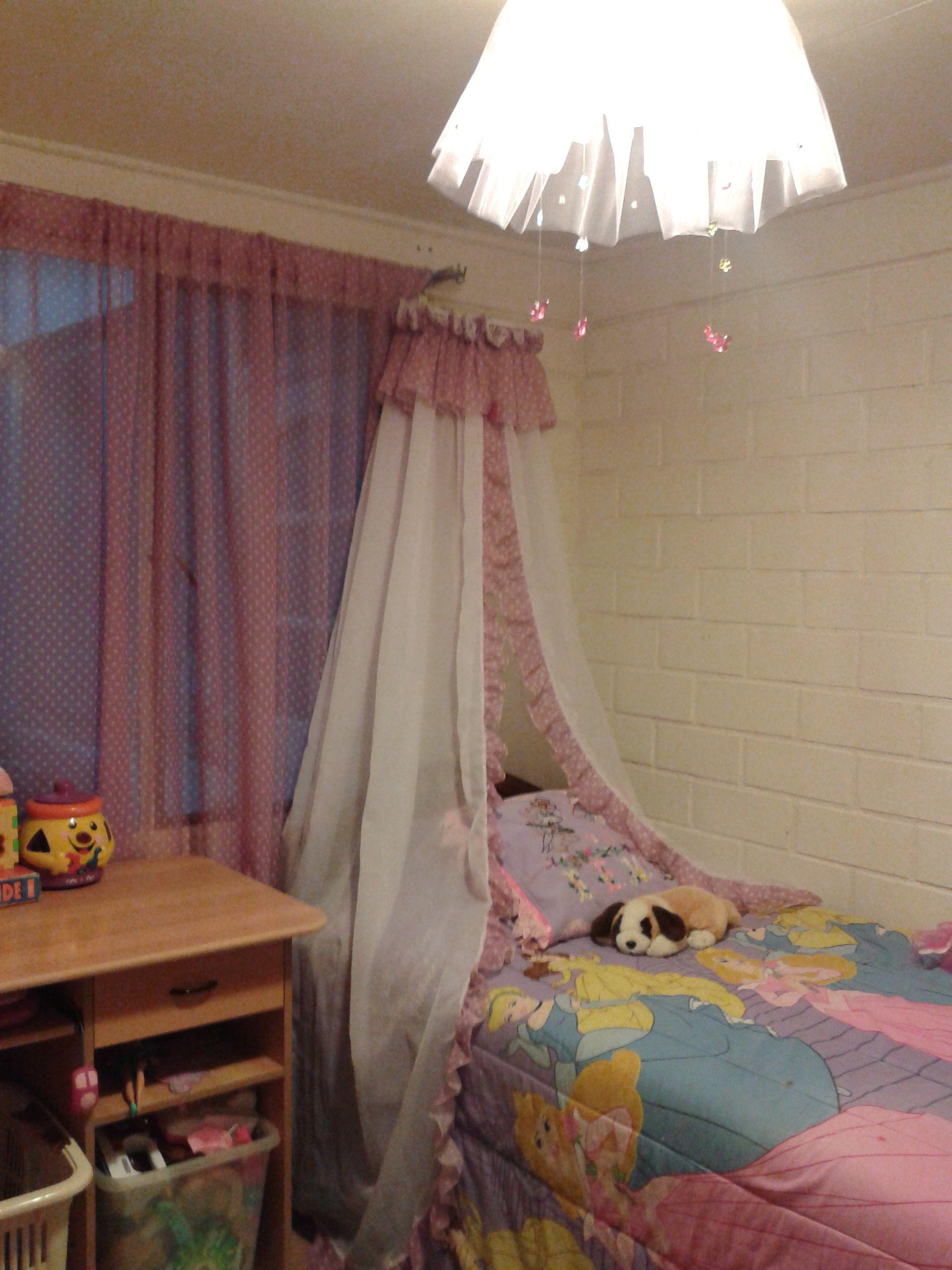 cortina princesa y lampara