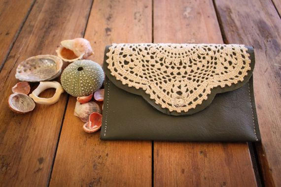 Make a doily clutch with a light pink fabric for the ball