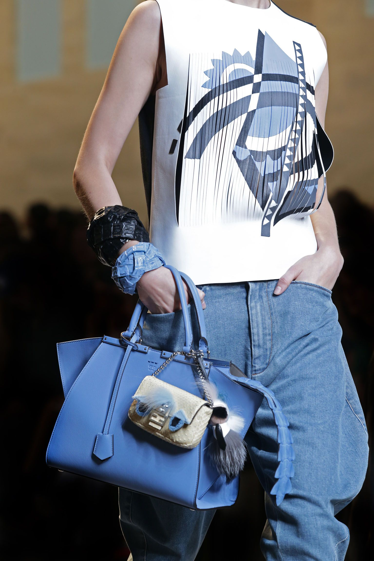 A detail of the Fendi Spring/Summer 2015 Collection - Look 23