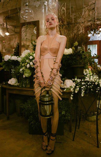 , Zana Bayne, le sue opere in cuoio fanno già impazzire tutti a New York dalla pop star Madonna, a spose,ragazze adolescenti, it girl e donne manager.h…, My Pop Star Kda Blog, My Pop Star Kda Blog