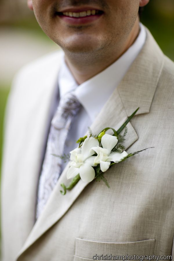 Pin By Kiwi Fleur On Boutonieres Dont Have To Be Boring Pinterest