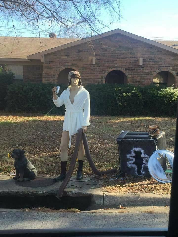 christmas vacation yard decorations lmao - Cousin Eddie Christmas Decoration