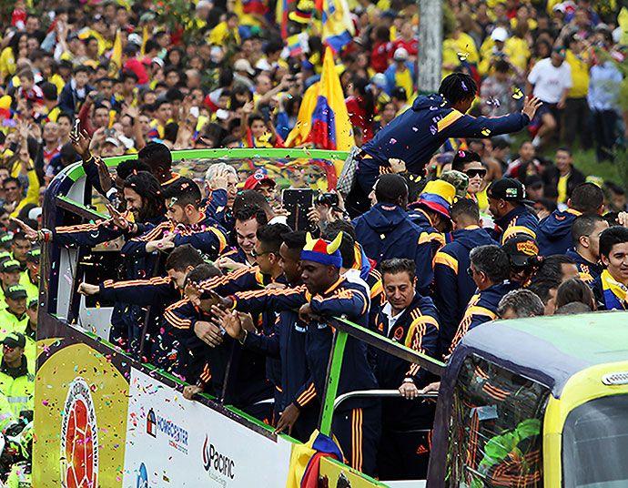 Histórica bienvenida a la selección Colombia en #Bogotá
