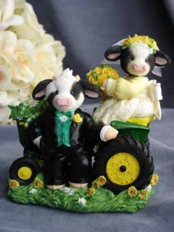 John Deere Wedding Cake Toppers!!!! I just need Herefords on the top ...