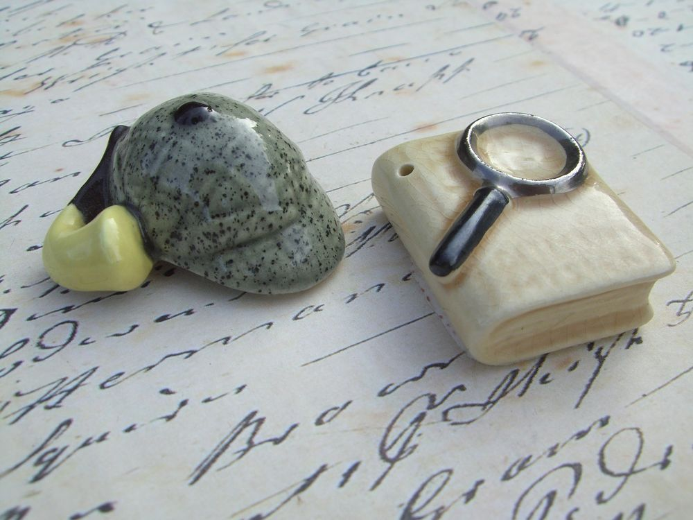 Vintage Sherlock Holmes Arcadia Salt & Pepper Shakers Mini Ceramic Collectible