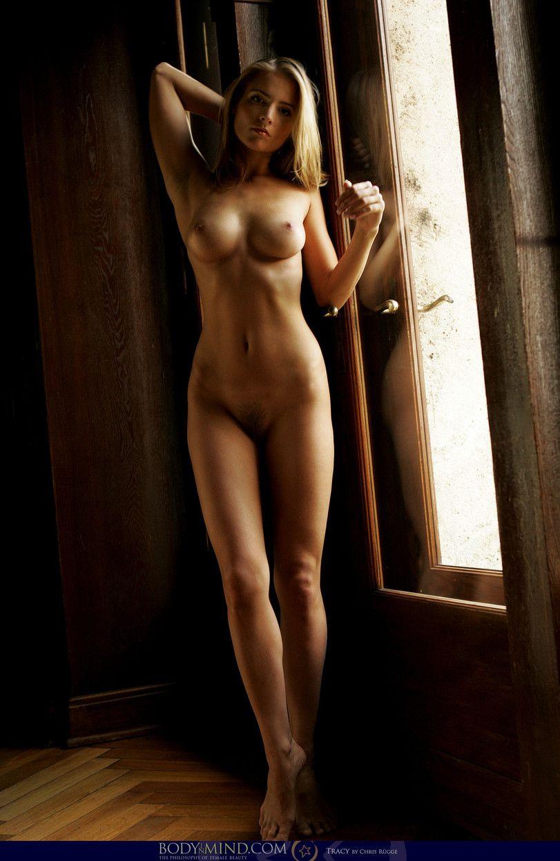 идеальная обнаженная женская фигура смотреть видео