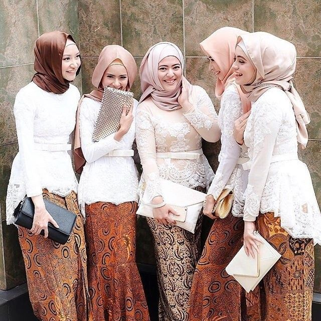 Model Kebaya Hijab Muslim Putih Rok Batik Solo Kebaya Gaya Abaya
