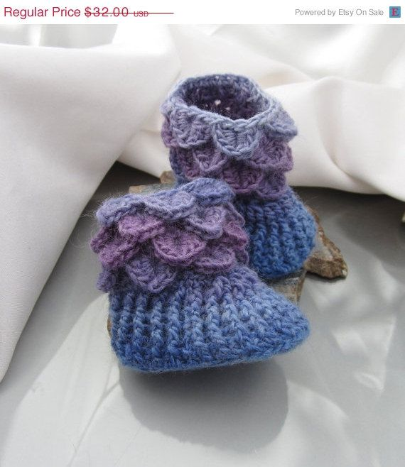ON SALE Button-less Baby Booties, Baby Slippers, 0-6 months Crocodile Stitch. $24.96, via Etsy.