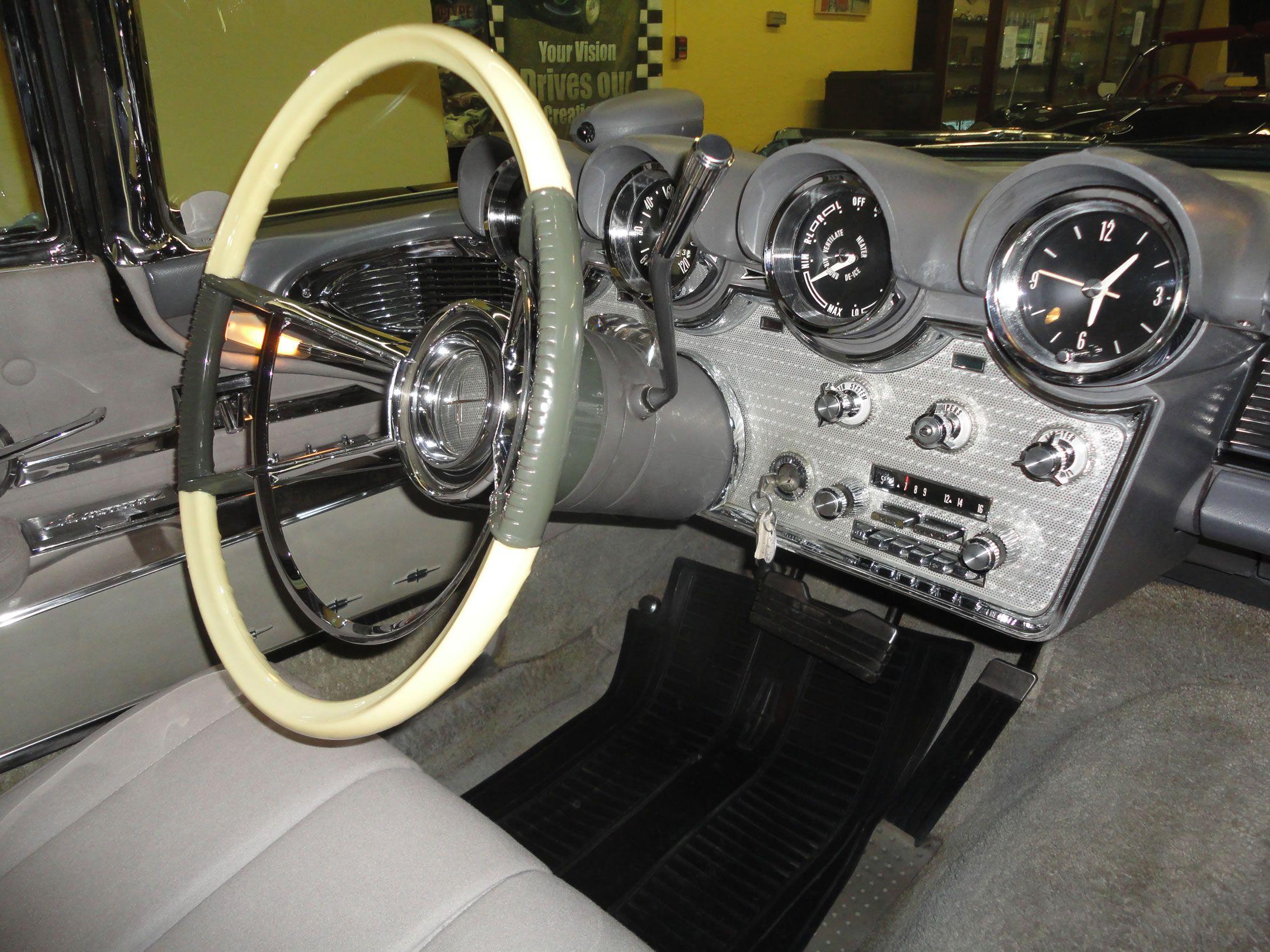 Dash 1960 Lincoln Continental