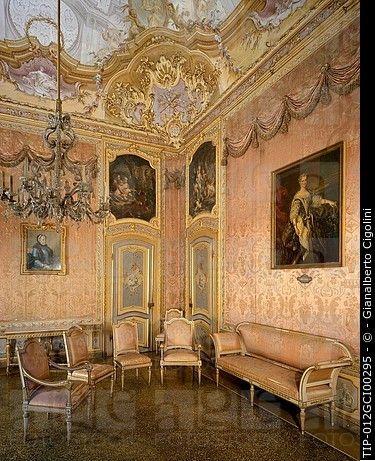 stupinigi royal palace interior piedmont italy - Royal Palace Interior Design