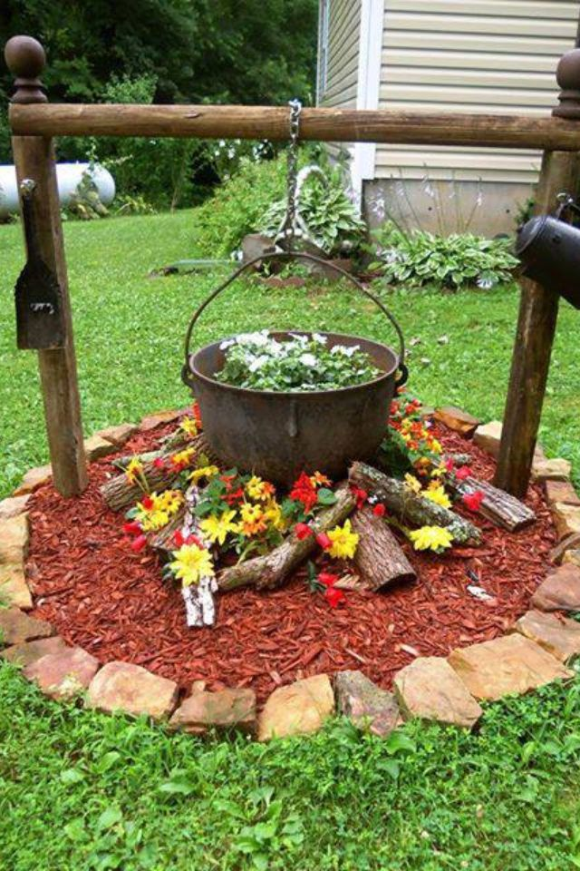 Campfire flower bed gardening at its best pinterest for Good garden ideas