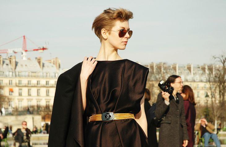 spotted chanel belt in paris... love it