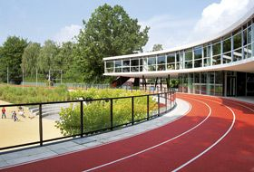 Green Roof Report Zinco Green Roof Green Roof System Outdoor Space Design