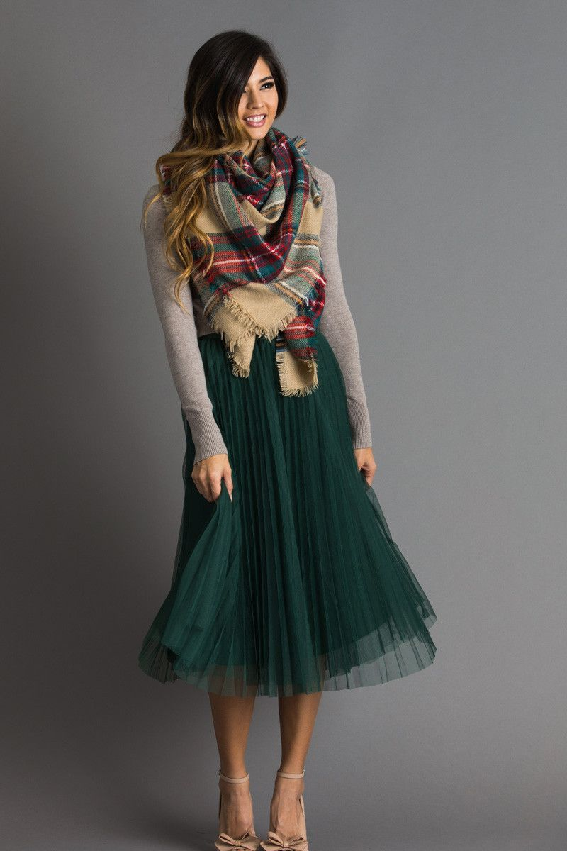 37f04e94ecf7 Holiday Outfit Inspiration, Women's Holiday Party Outfits, Cute Midi Skirts  for the Holidays,