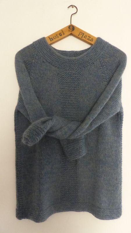 PULL FEMME TOP-DOWN BLEU AVEC POINT MOUSSE - Mes tricots sans couture aux aiguilles circulaires et en top-down #cardigans
