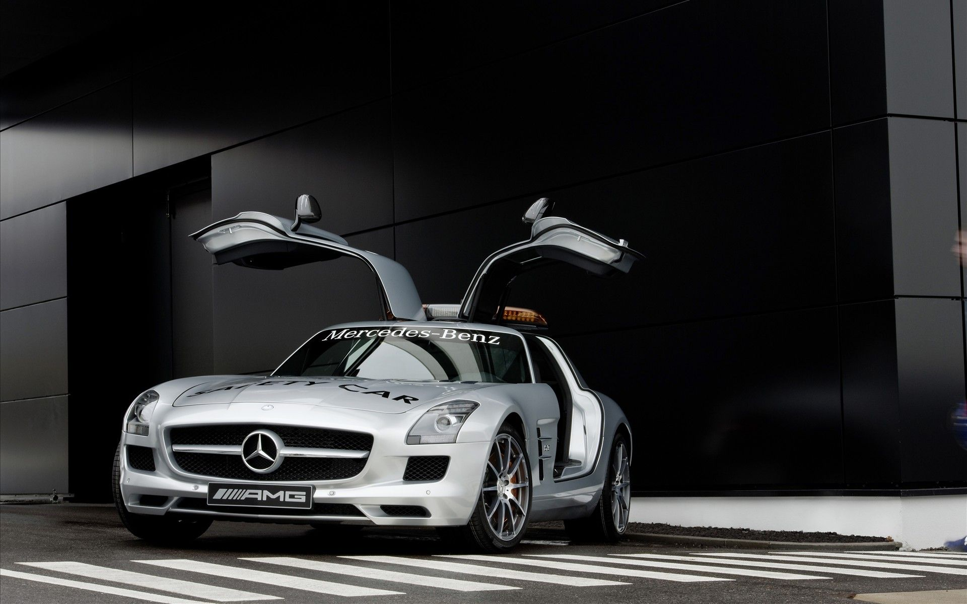 Mercedez Benz F1 Safety Car Mercedes car, Mercedes sls