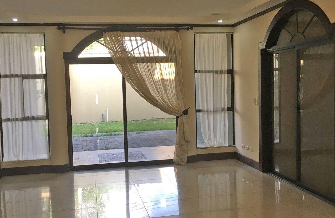 Beautiful Santo Domingo de Heredia house for sale in luxury gated community — Costa Rica MLS