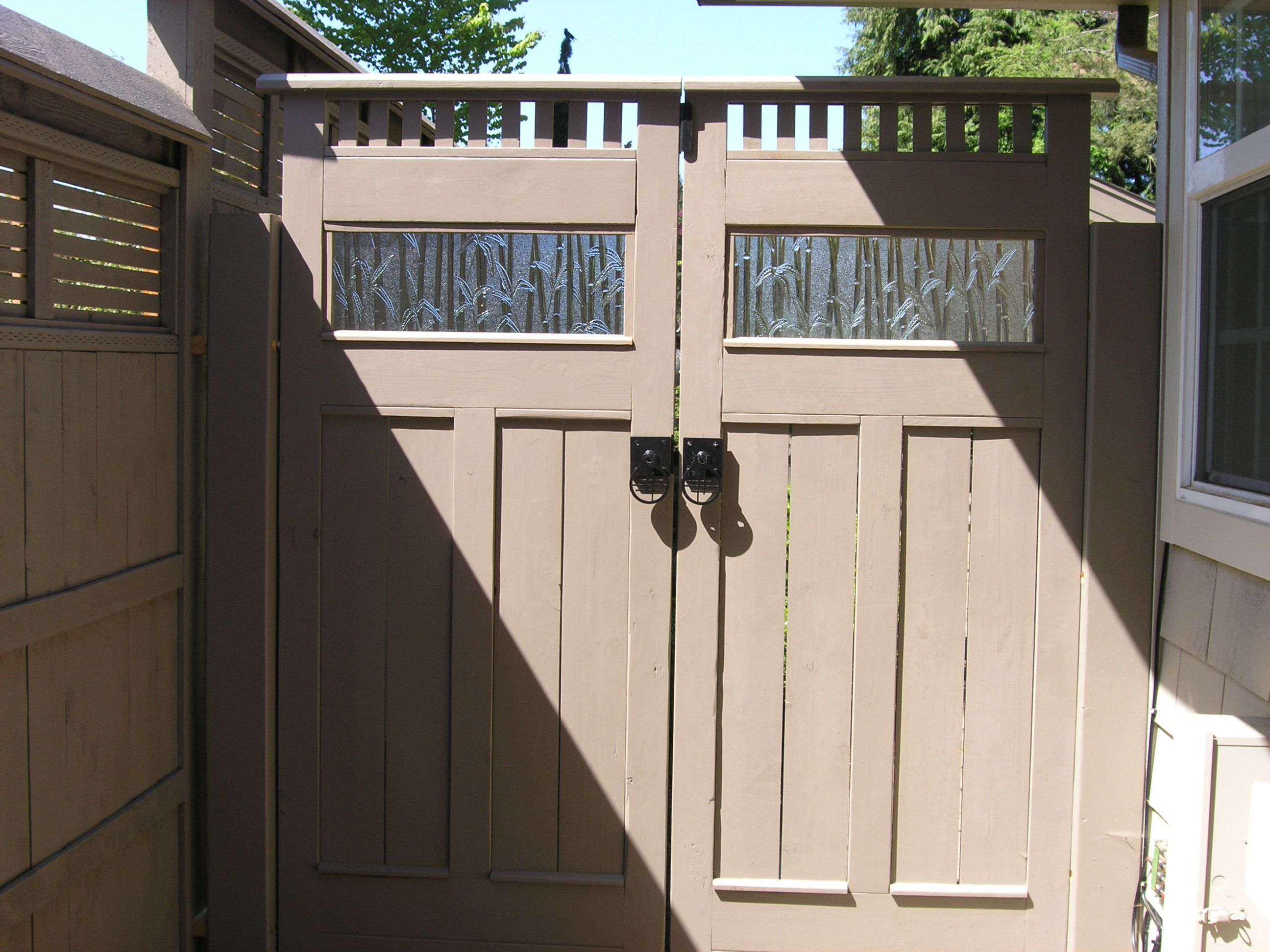 Double Gate Latches And For Gates